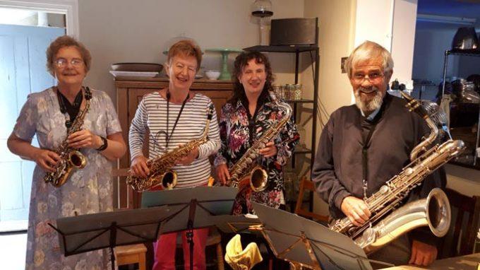 Saxophrenia saxophone quartet